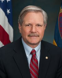 Hoeven_Official_Portrait-web.jpg